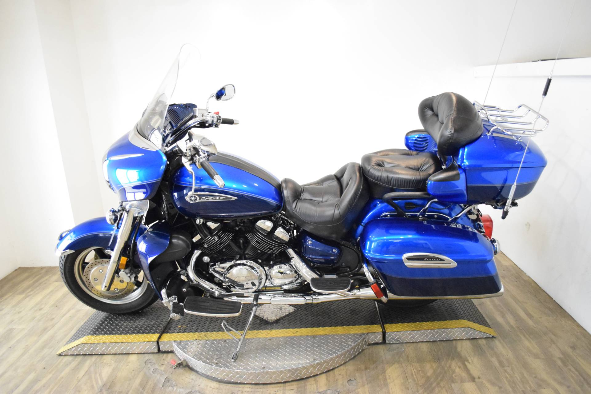 2011 Yamaha Royal Star Venture S in Wauconda, Illinois - Photo 15