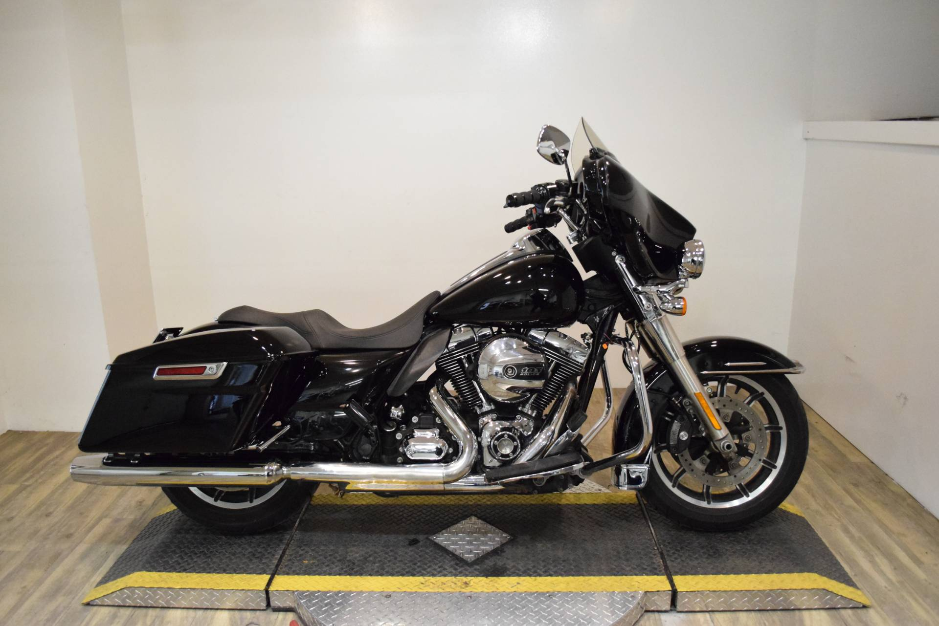 2015 Harley-Davidson Police Electra Glide® in Wauconda, Illinois - Photo 1