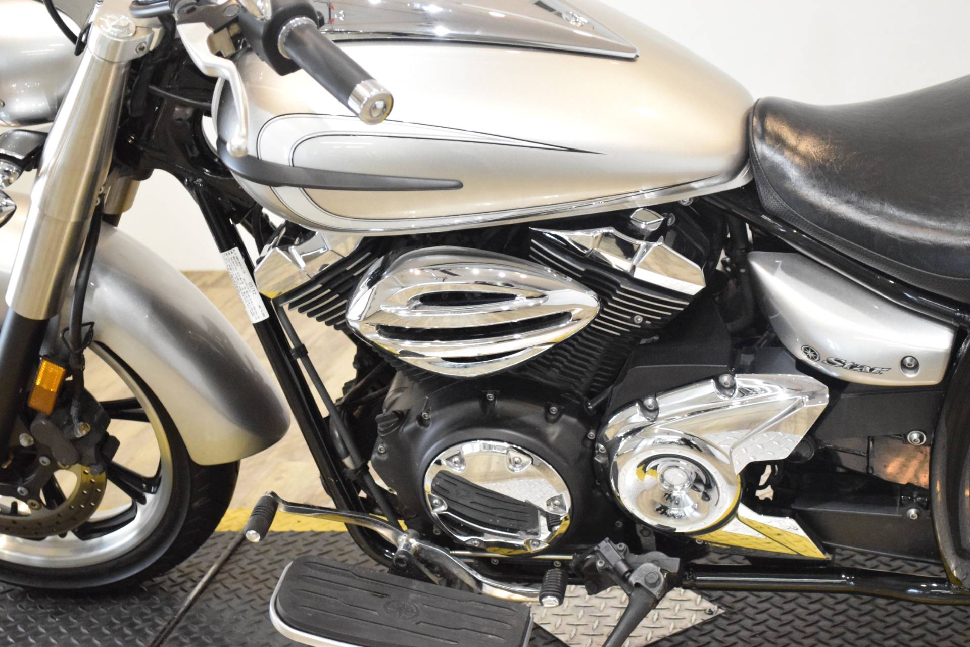 2012 Yamaha V Star 950  in Wauconda, Illinois - Photo 19