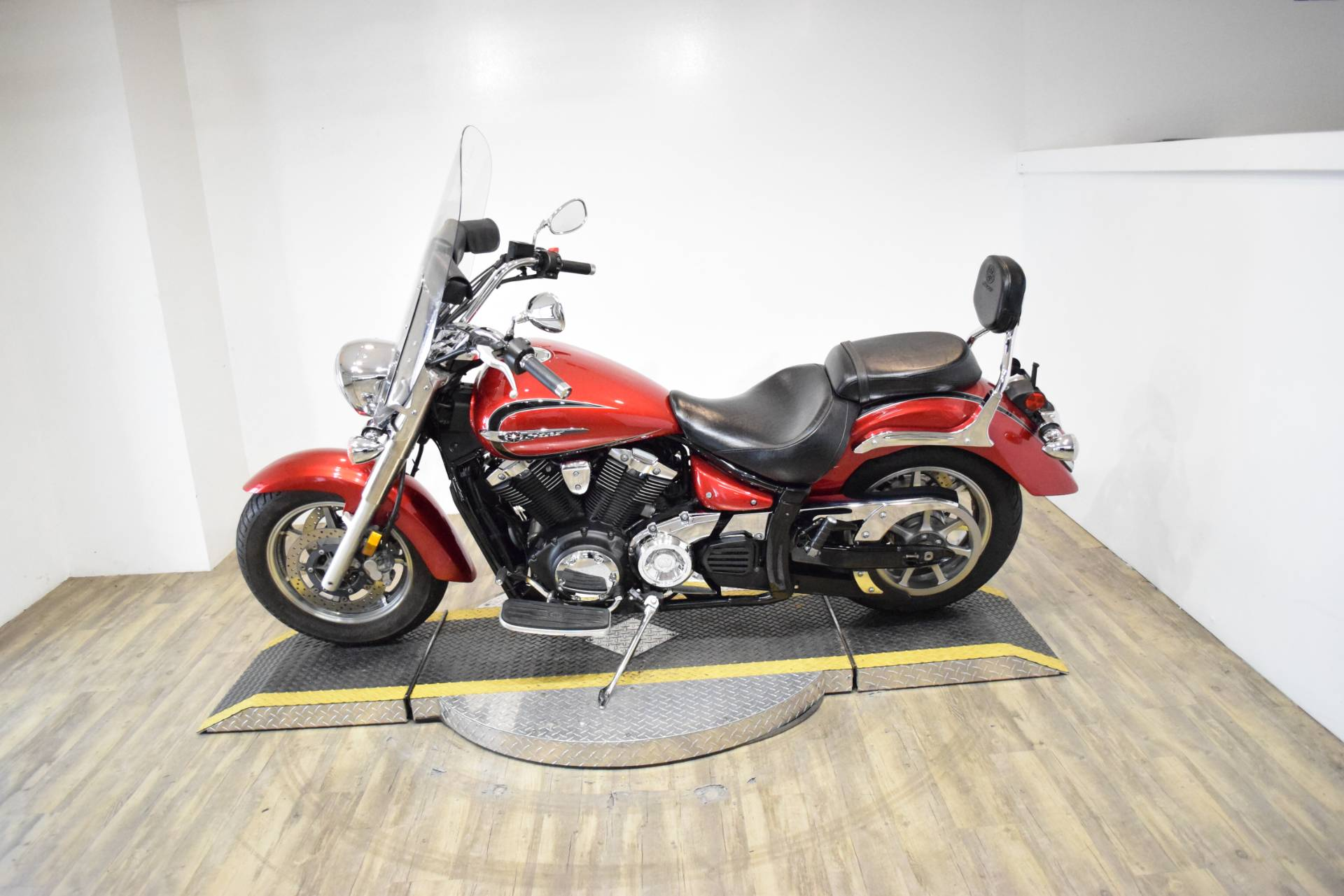 2013 Yamaha V Star 1300 Tourer in Wauconda, Illinois - Photo 16