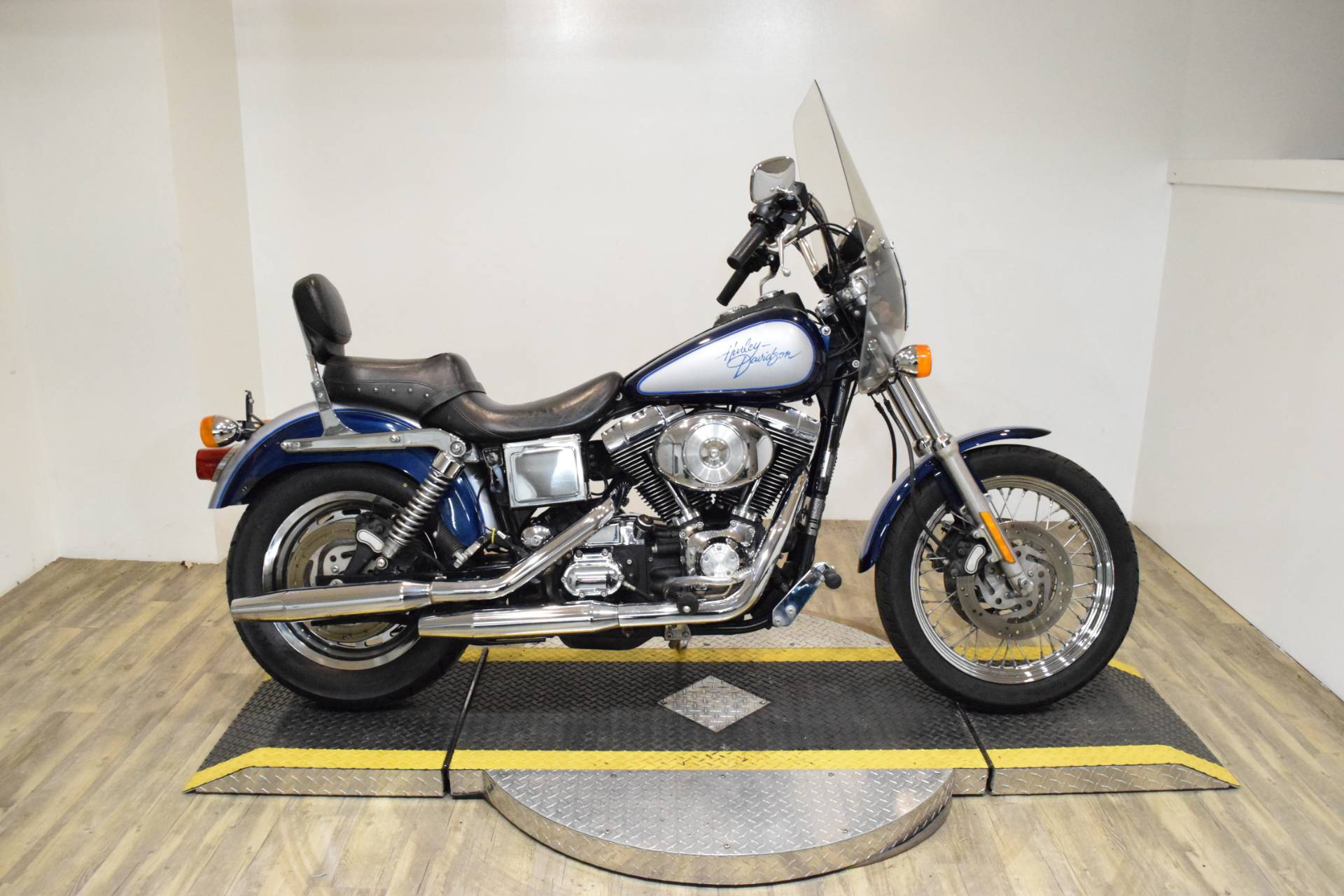 2000 Harley-Davidson Dyna Convertible in Wauconda, Illinois - Photo 1