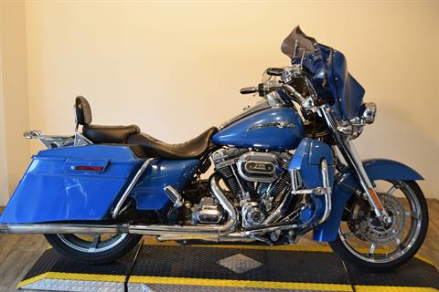 2013 Harley-Davidson CVO™ Road King® in Wauconda, Illinois