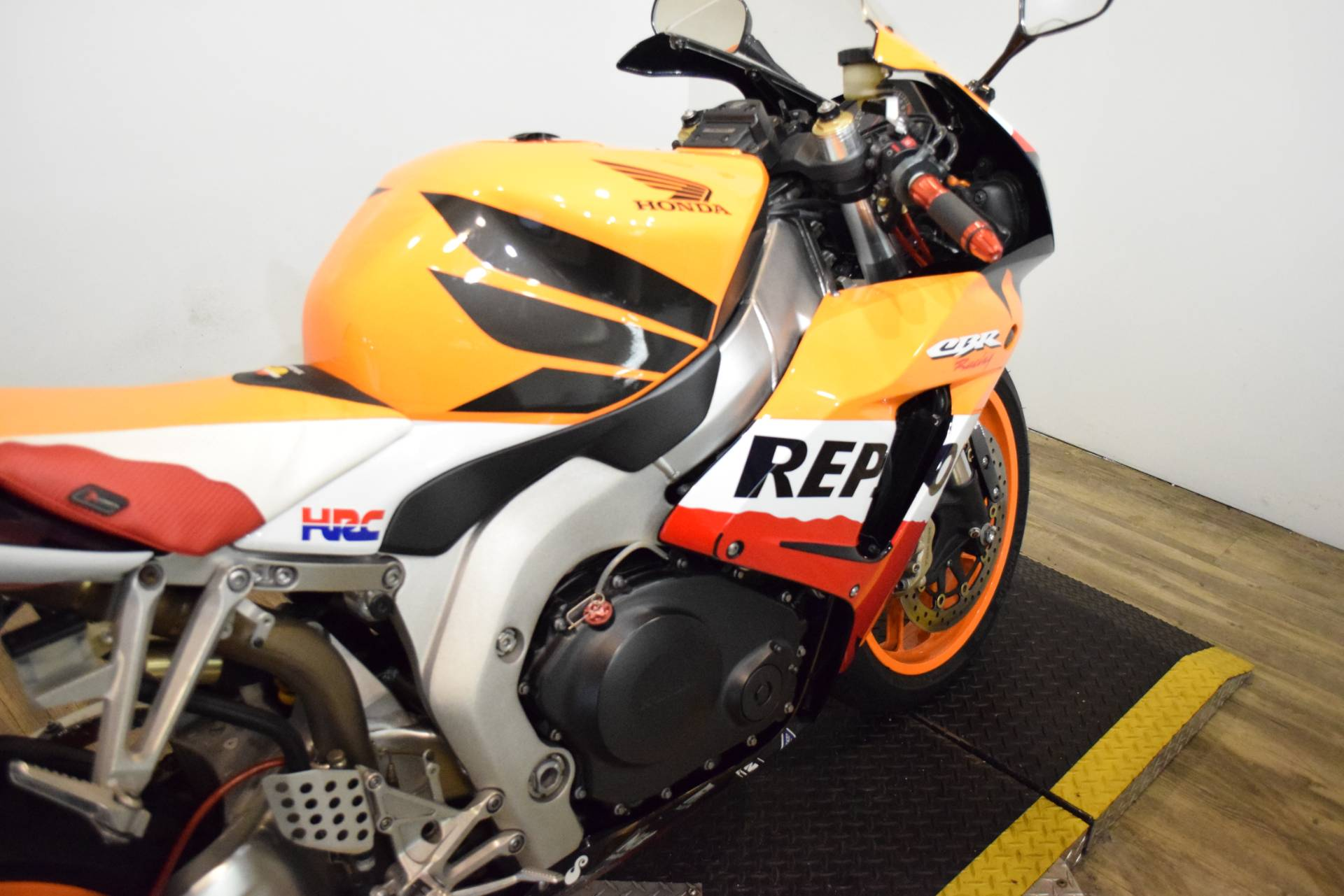 2007 Honda CBR®1000RR in Wauconda, Illinois - Photo 7