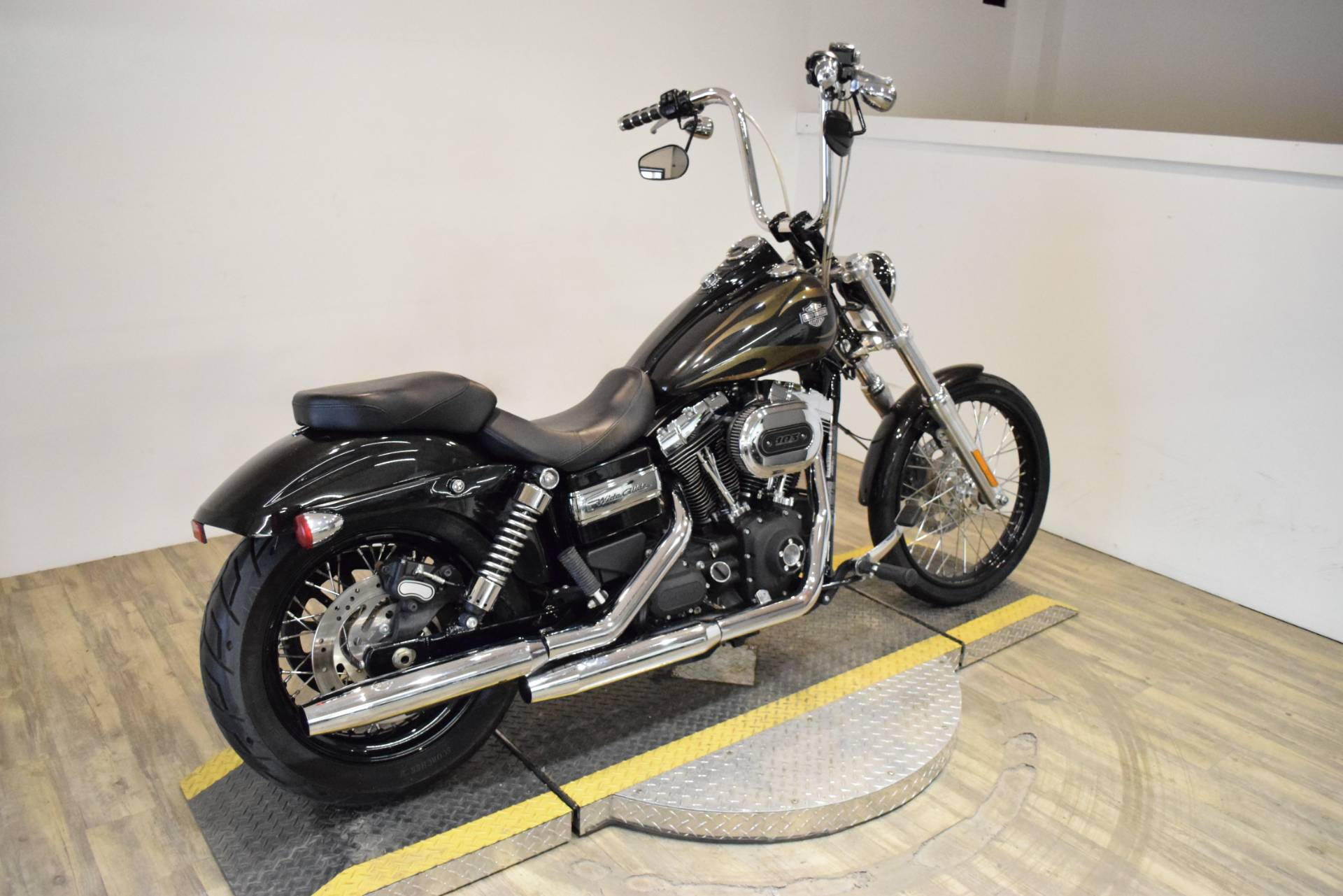 2016 Harley-Davidson Wide Glide® in Wauconda, Illinois - Photo 9