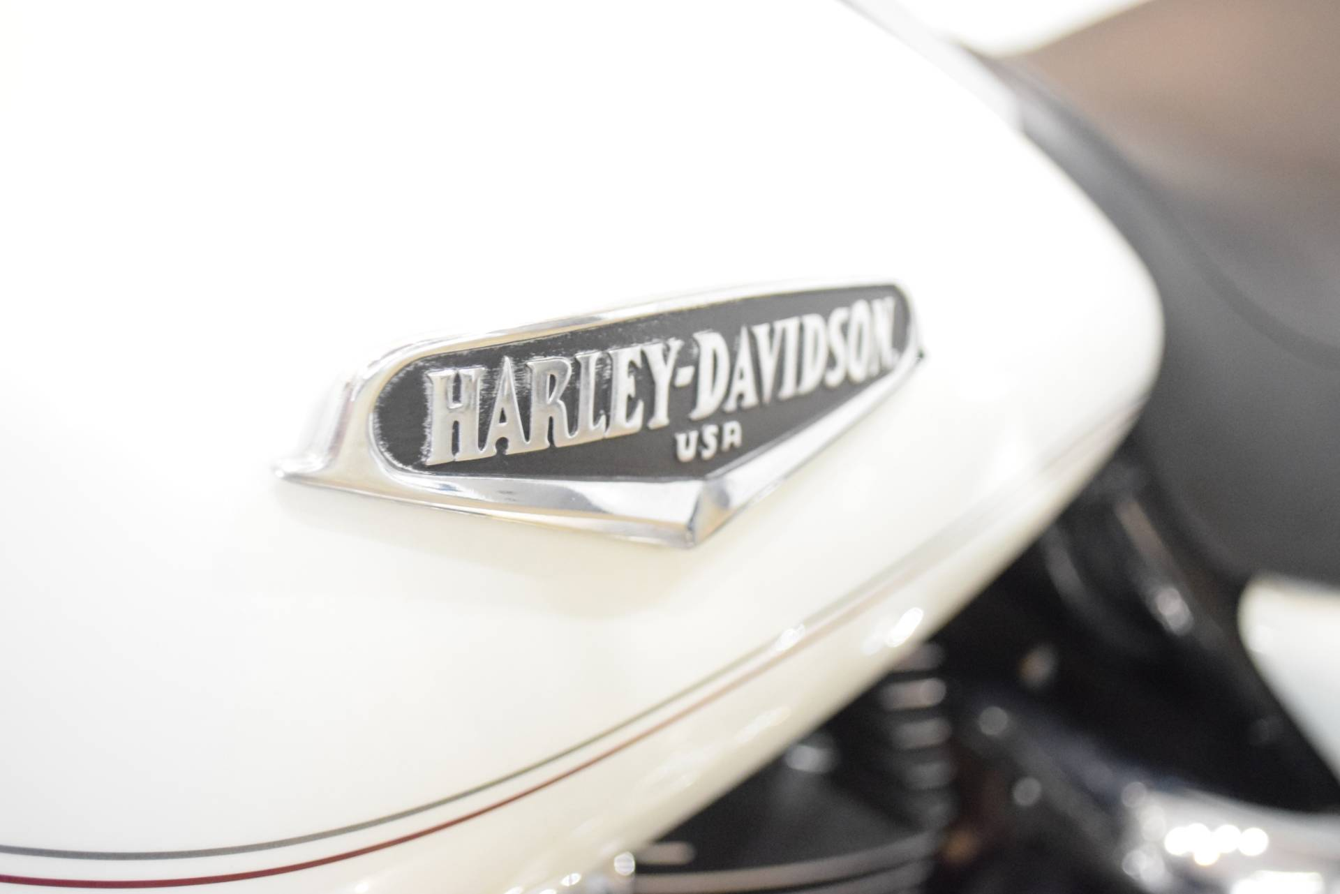2002 Harley-Davidson FLHRCI Road King® Classic in Wauconda, Illinois - Photo 20