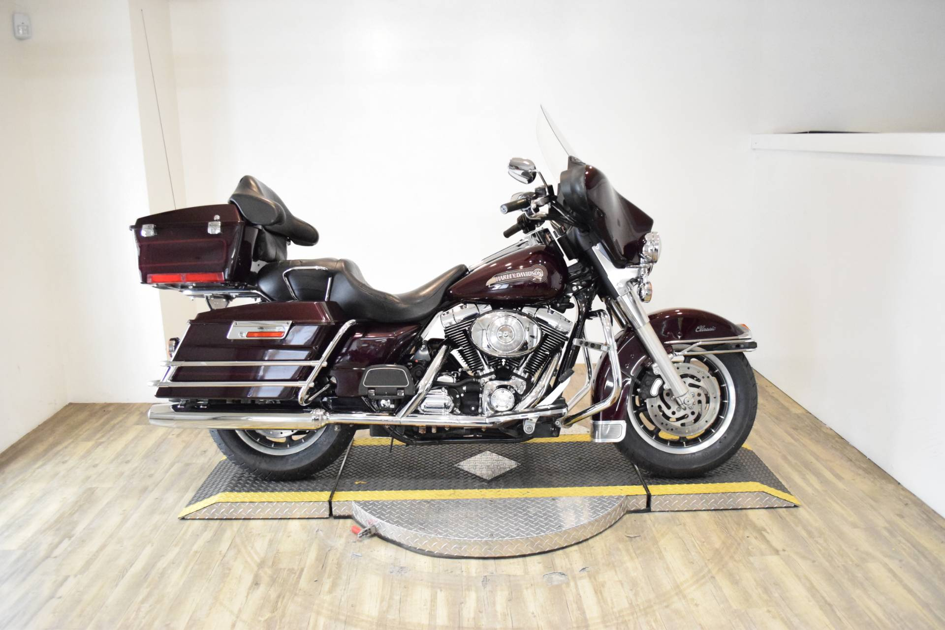 2005 Harley-Davidson FLHTC/FLHTCI Electra Glide® Classic in Wauconda, Illinois - Photo 1