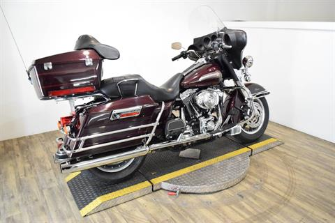 2005 Harley-Davidson FLHTC/FLHTCI Electra Glide® Classic in Wauconda, Illinois - Photo 11