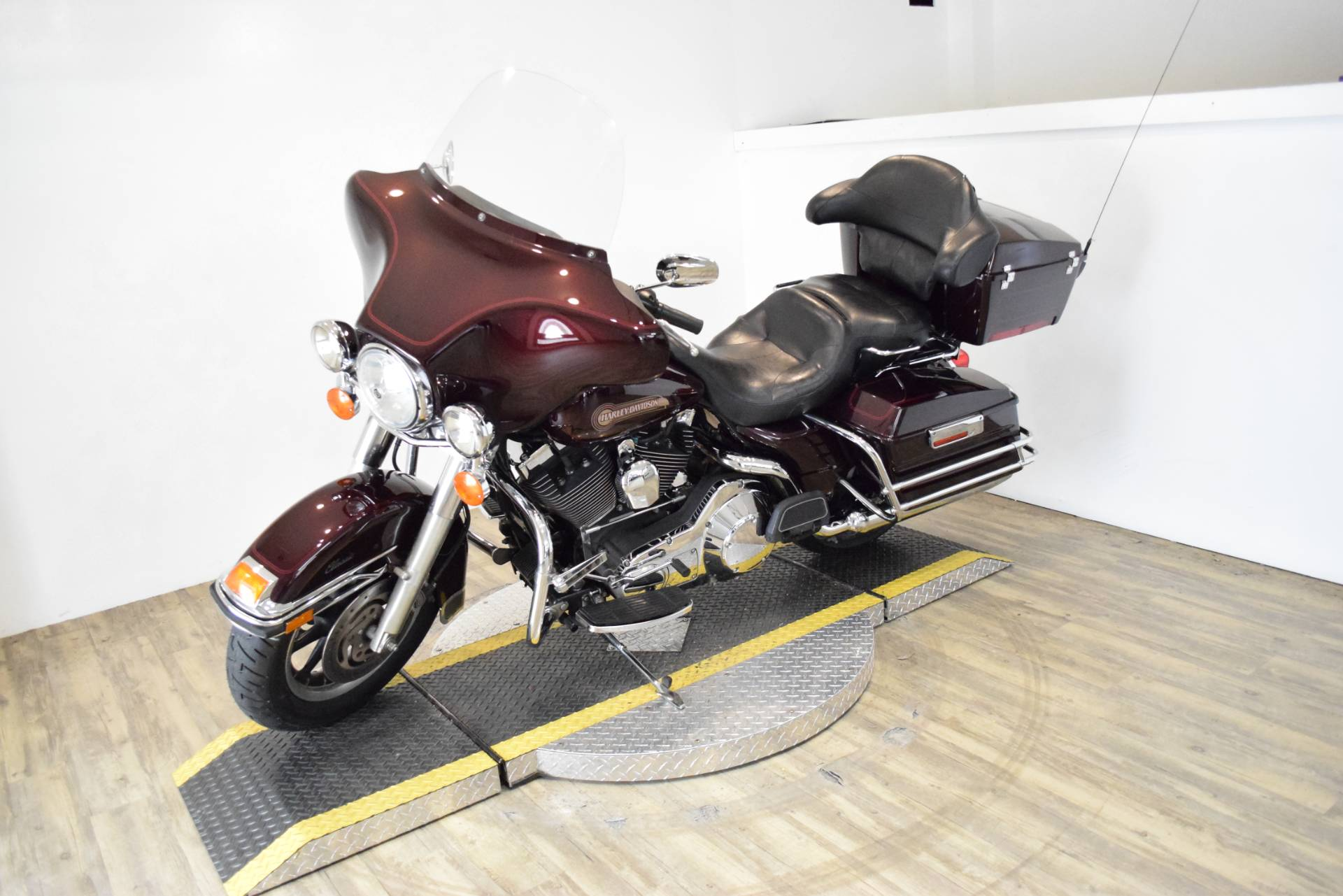 2005 Harley-Davidson FLHTC/FLHTCI Electra Glide® Classic in Wauconda, Illinois - Photo 24
