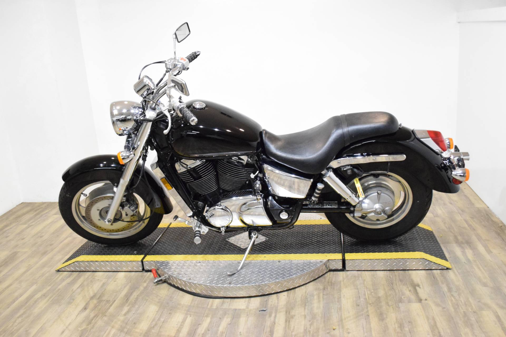 2000 Honda Shadow Sabre in Wauconda, Illinois
