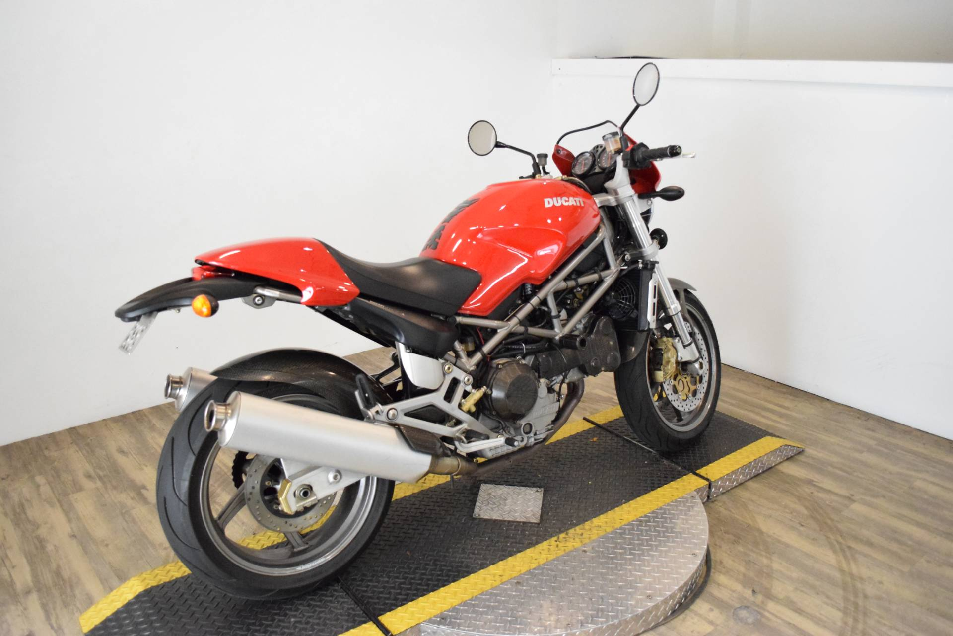 2001 Ducati 900 S4 in Wauconda, Illinois - Photo 10