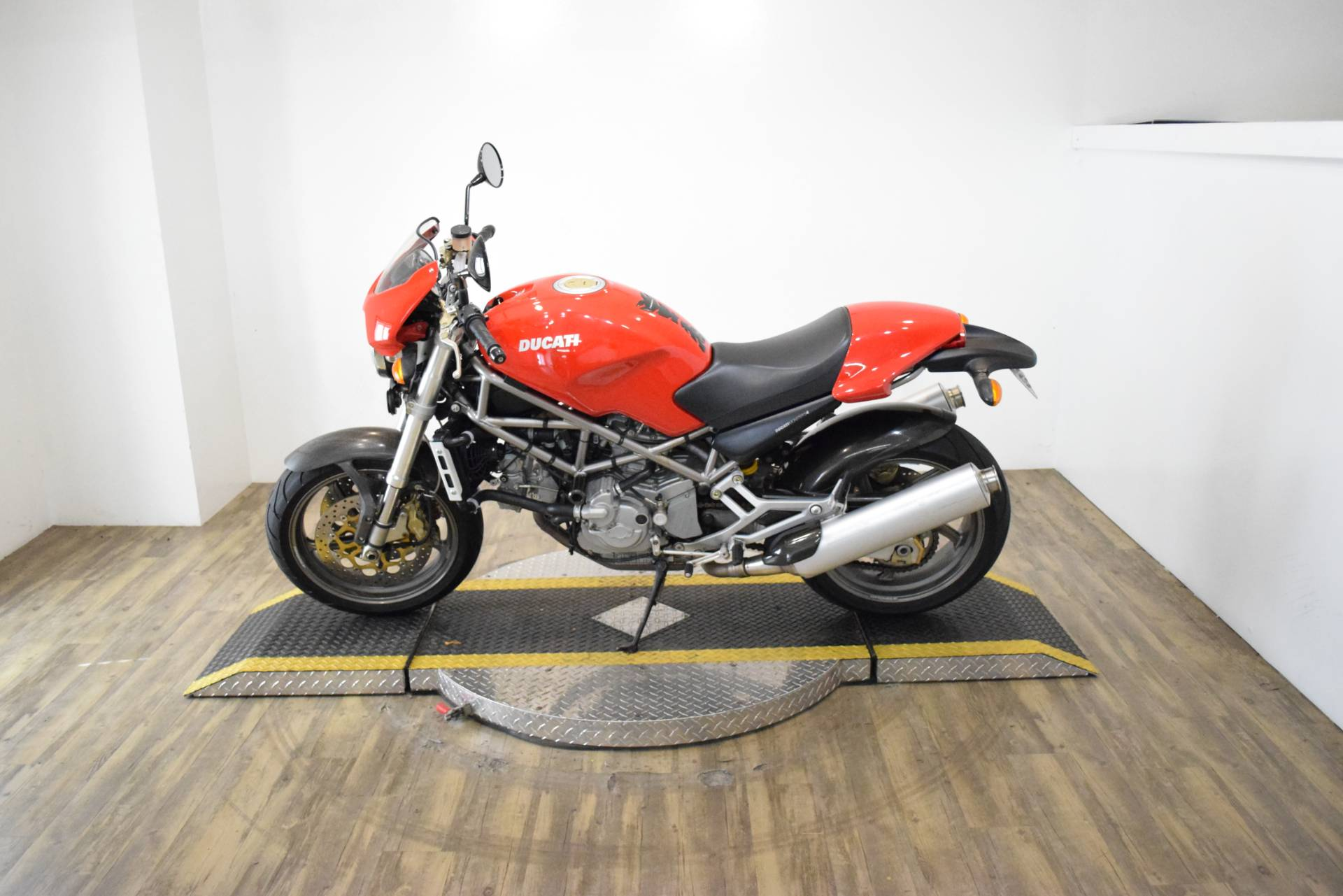 2001 Ducati 900 S4 in Wauconda, Illinois - Photo 16