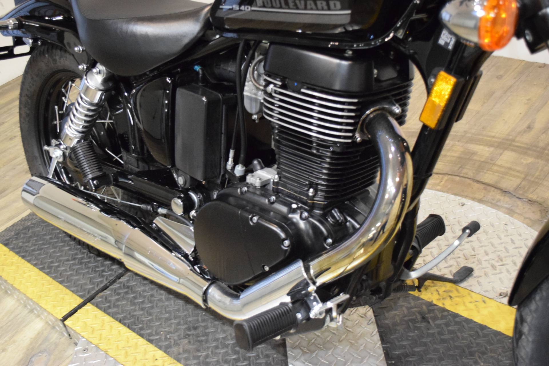 2017 Suzuki Boulevard S40 in Wauconda, Illinois - Photo 4