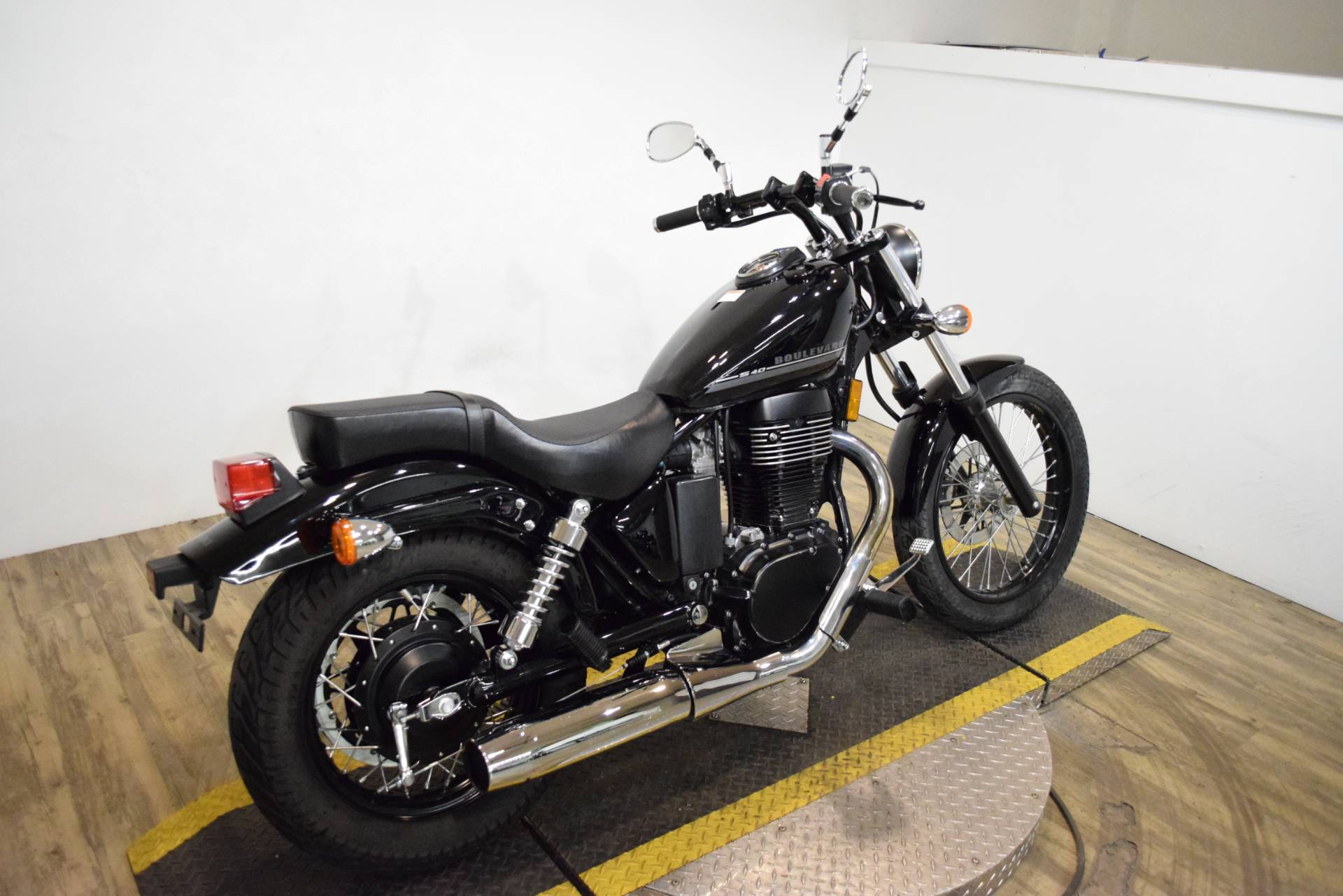 2017 Suzuki Boulevard S40 in Wauconda, Illinois - Photo 9