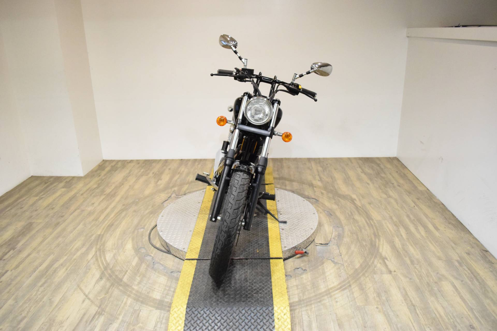 2017 Suzuki Boulevard S40 in Wauconda, Illinois - Photo 10