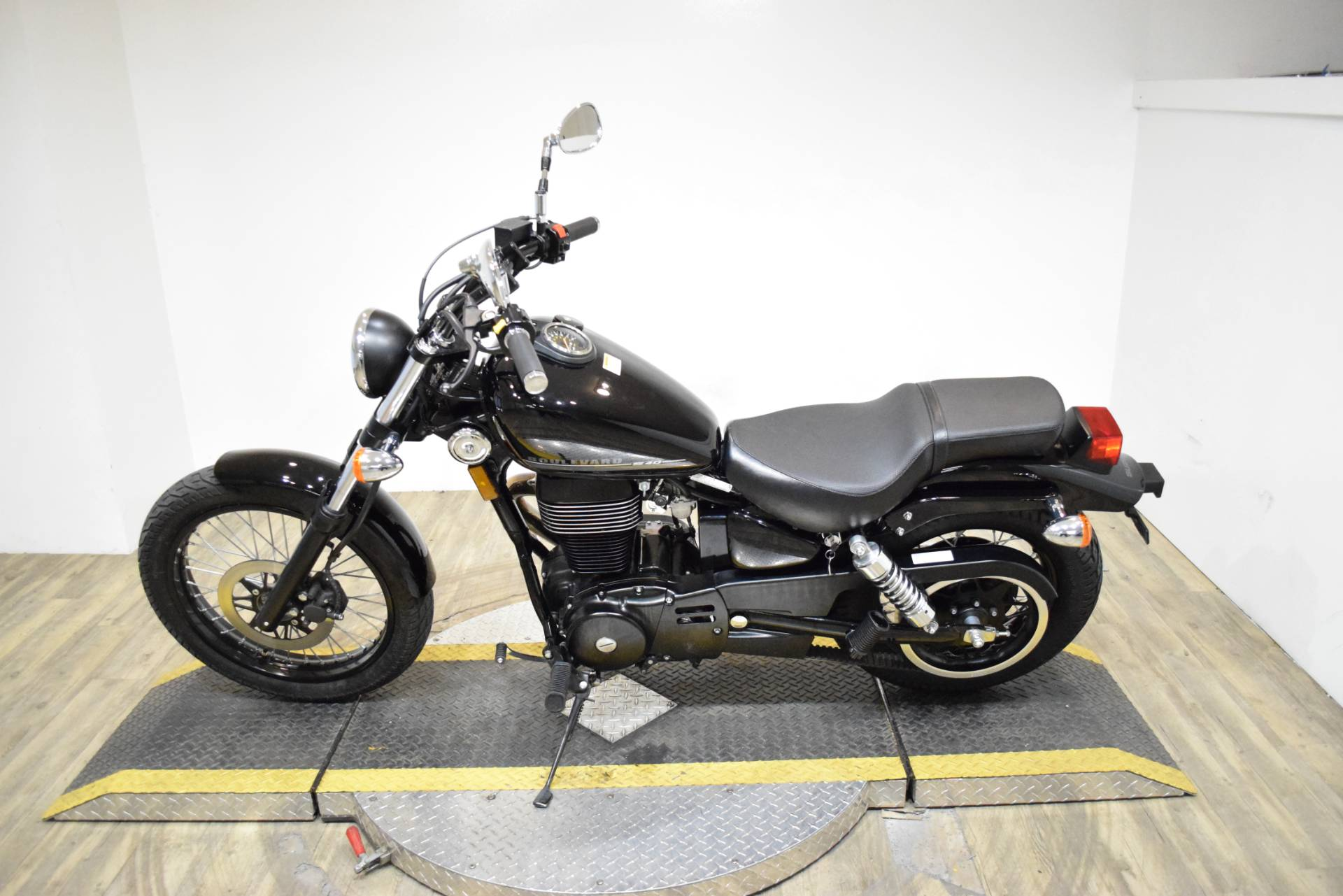 2017 Suzuki Boulevard S40 in Wauconda, Illinois - Photo 15