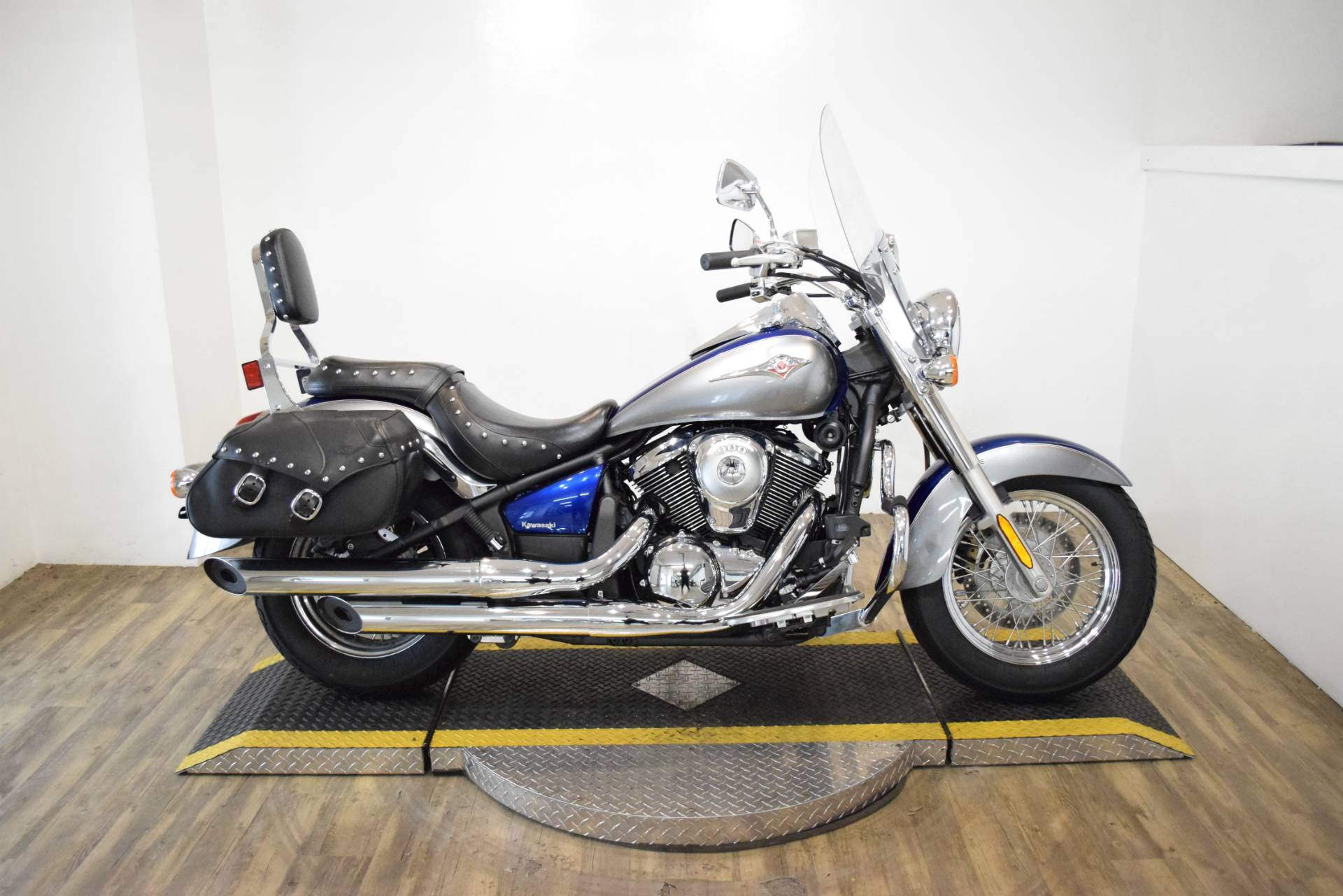 2010 Kawasaki Vulcan® 900 Classic LT in Wauconda, Illinois - Photo 1