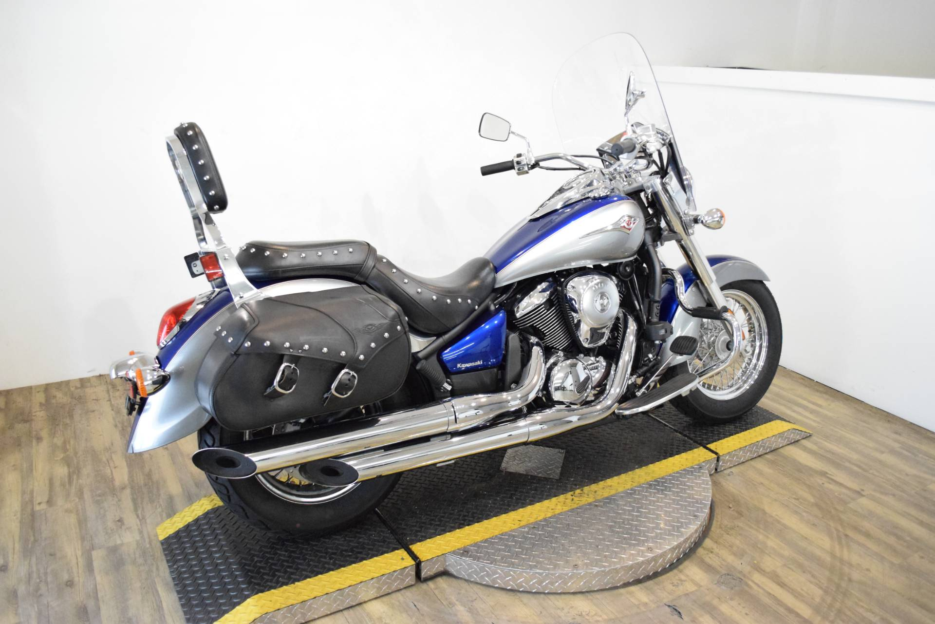 2010 Kawasaki Vulcan® 900 Classic LT in Wauconda, Illinois - Photo 11