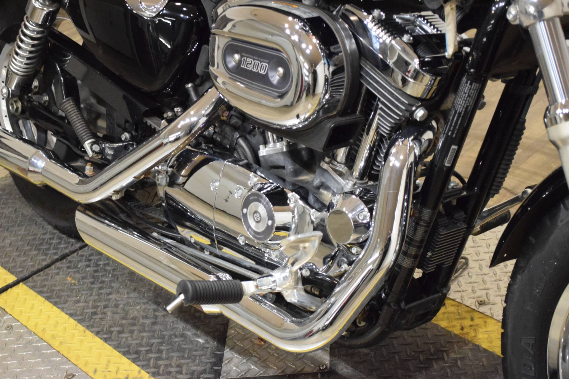 2013 Harley-Davidson Sportster® 1200 Custom in Wauconda, Illinois - Photo 4