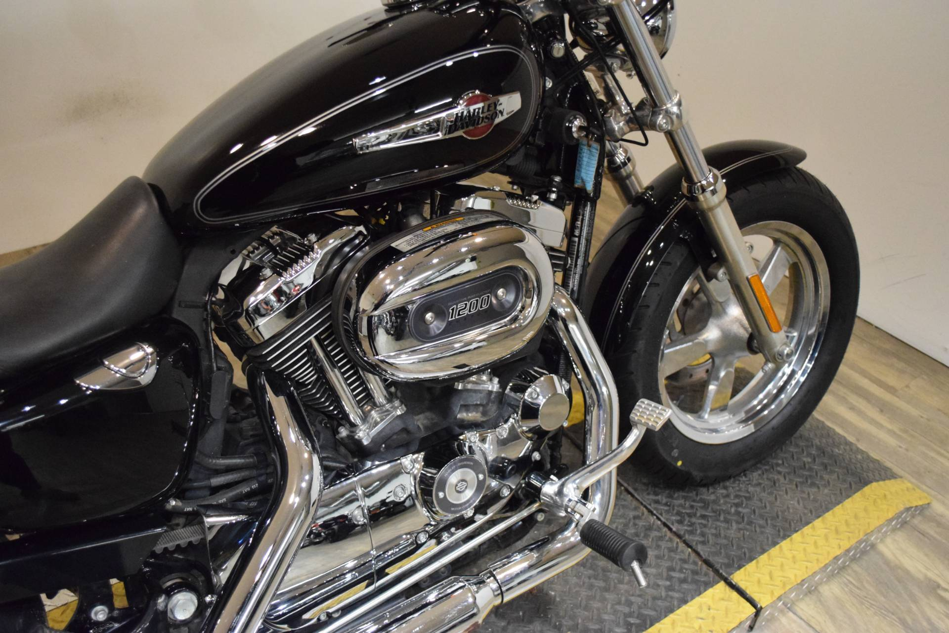 2013 Harley-Davidson Sportster® 1200 Custom in Wauconda, Illinois - Photo 6