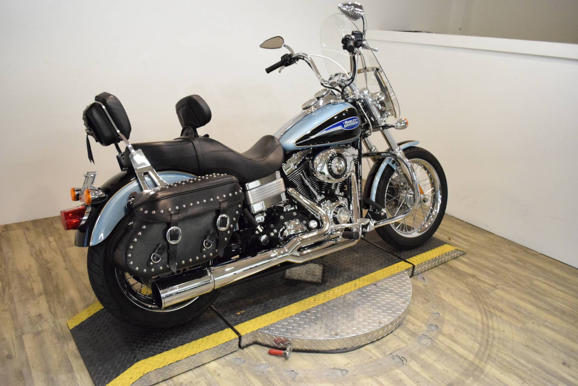 2007 Harley-Davidson Dyna® Low Rider® in Wauconda, Illinois - Photo 9
