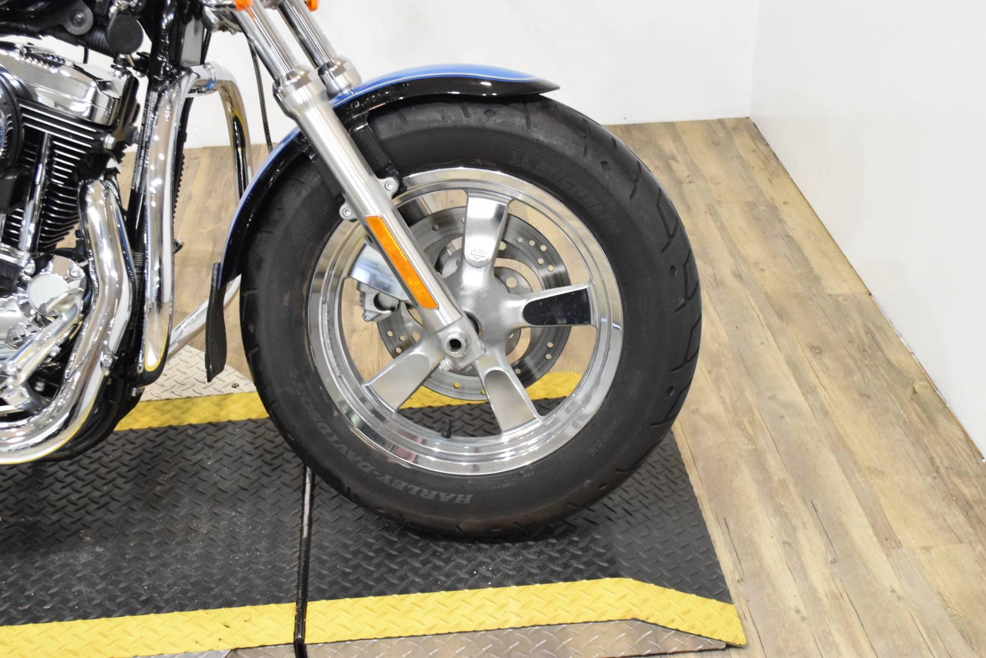 2012 Harley-Davidson XL1200C 2