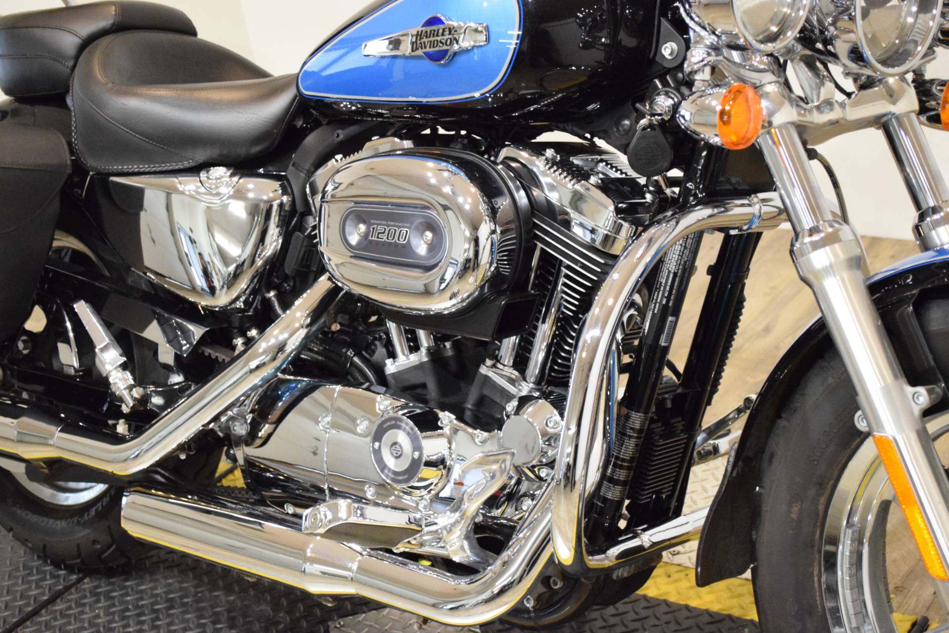 2012 Harley-Davidson XL1200C 4
