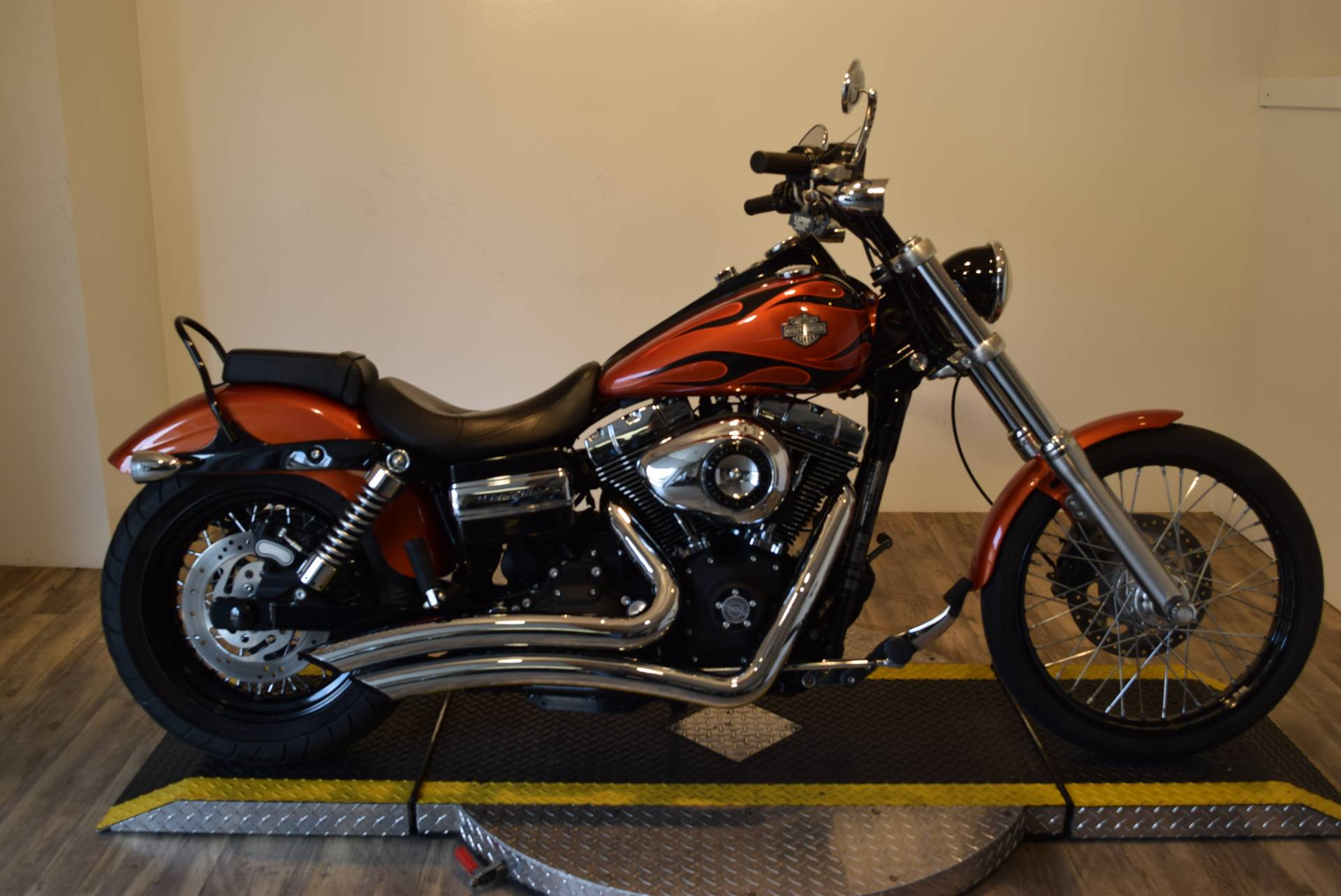 2011 harley davidson dyna wide glide for sale wauconda il 64273. Black Bedroom Furniture Sets. Home Design Ideas