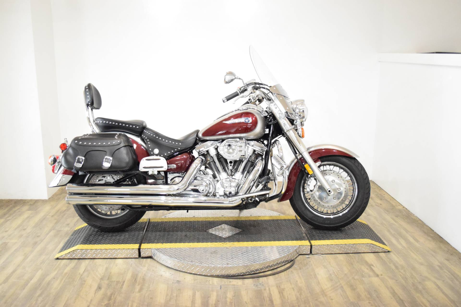 2003 Yamaha Road Star 1600 in Wauconda, Illinois - Photo 1