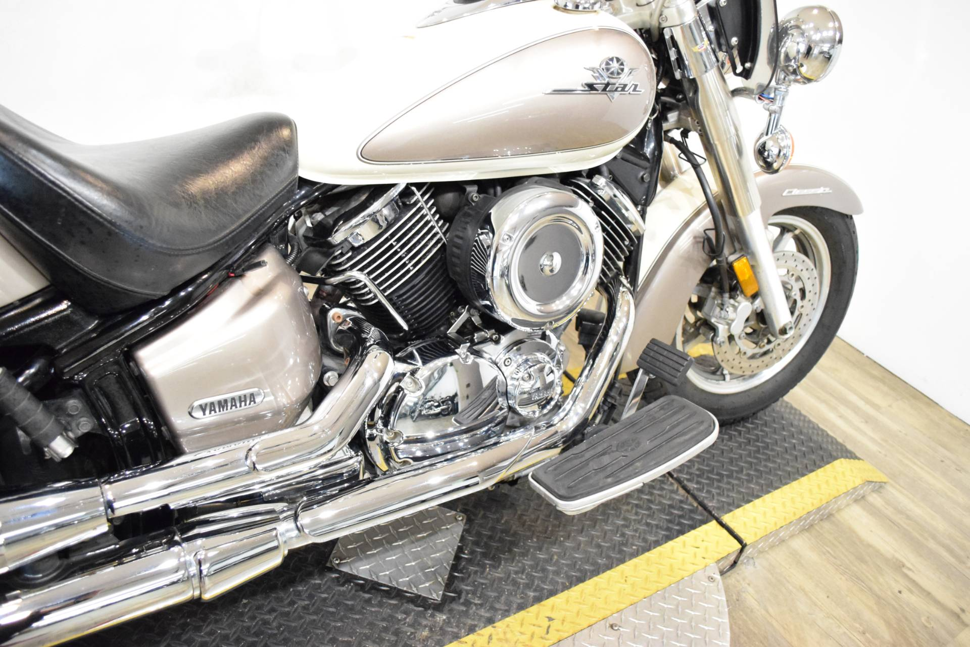 2003 Yamaha V Star 1100 Classic in Wauconda, Illinois - Photo 7
