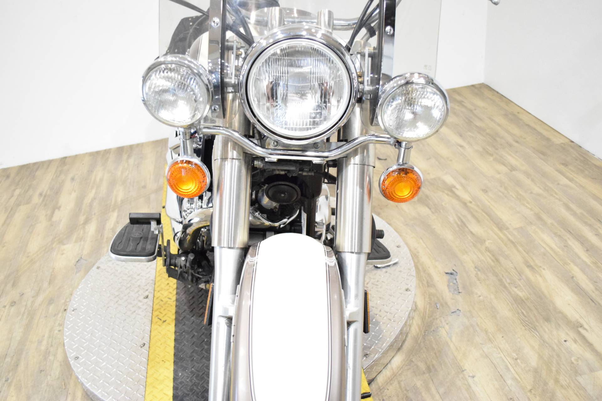 2003 Yamaha V Star 1100 Classic in Wauconda, Illinois - Photo 14