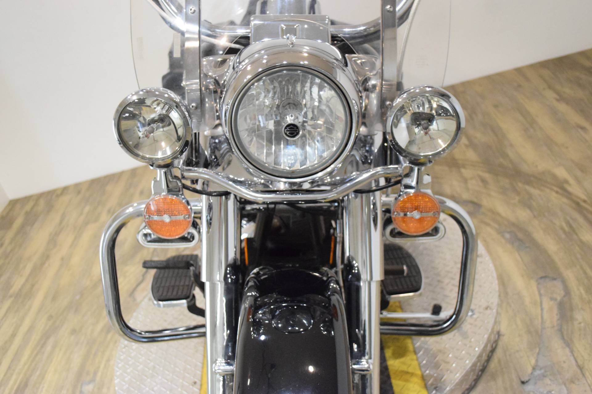 2005 Harley-Davidson FLHRCI Road King® Classic in Wauconda, Illinois - Photo 12