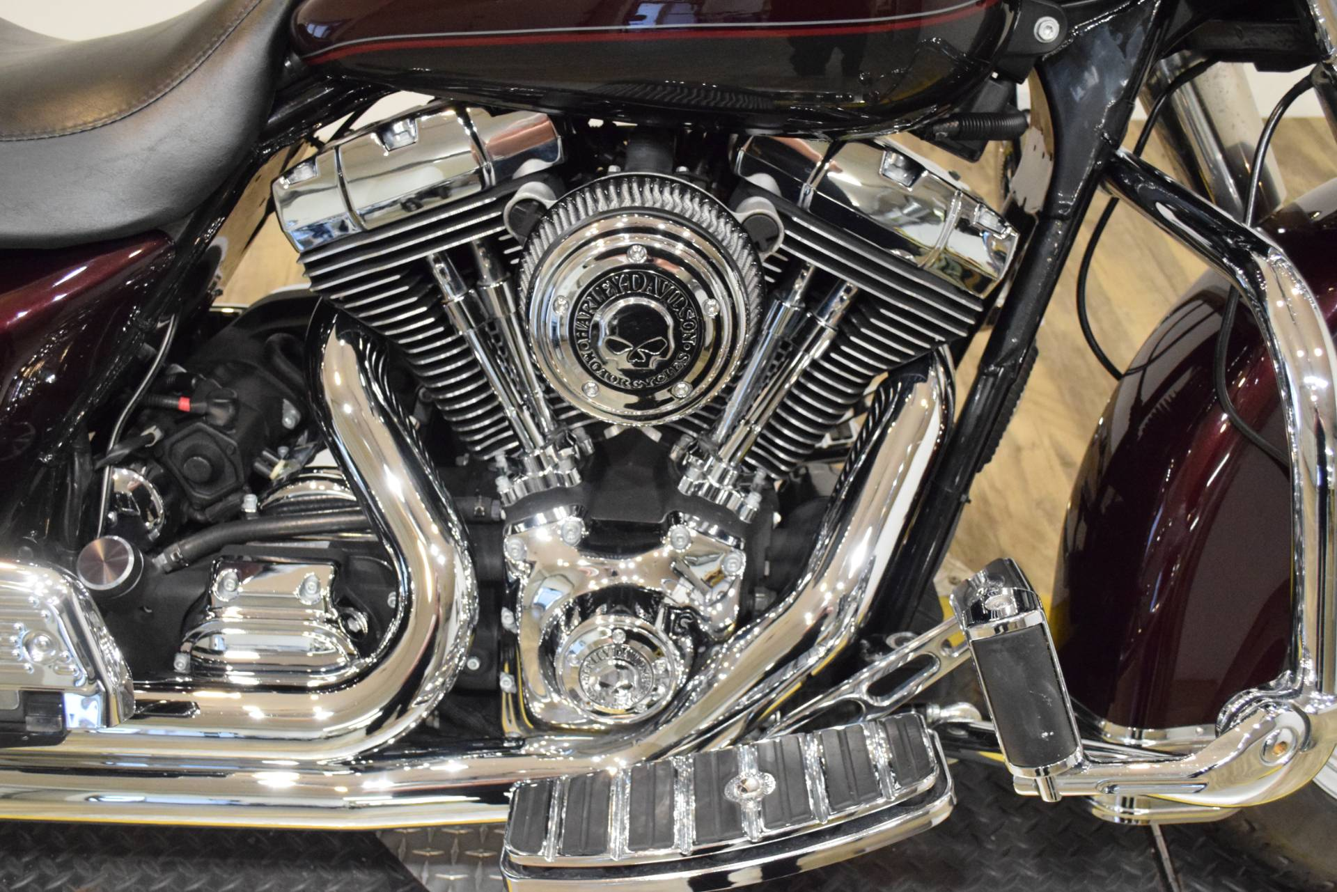 2005 Harley-Davidson FLHRS/FLHRSI Road King Custom 4