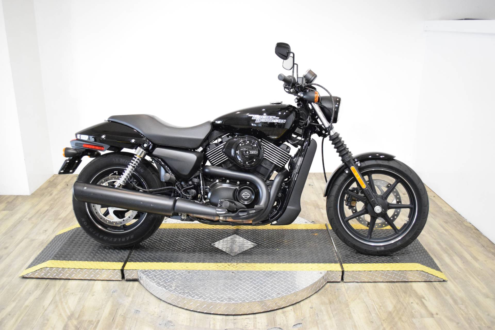 2017 Harley-Davidson Street® 750 in Wauconda, Illinois - Photo 1