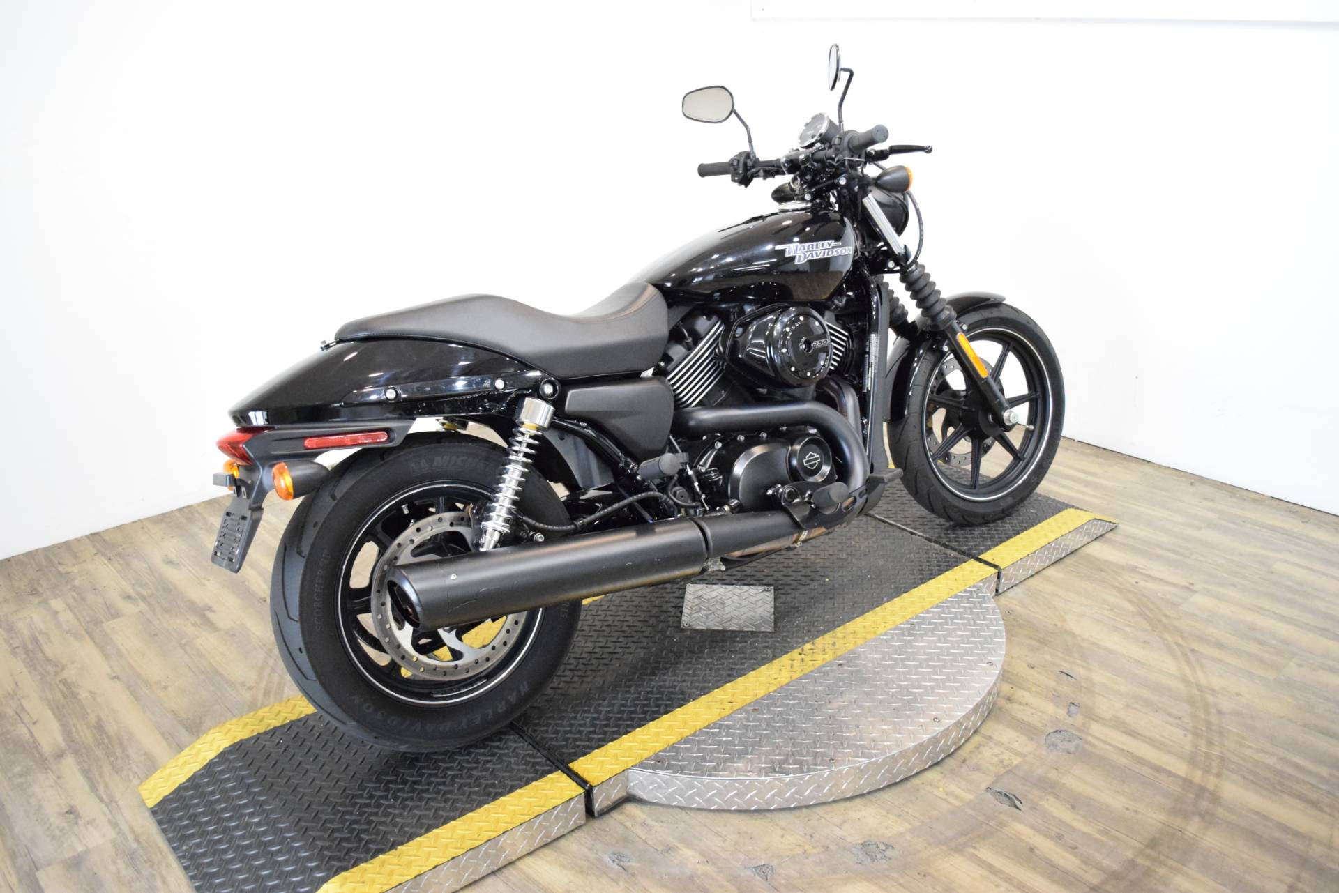 2017 Harley-Davidson Street® 750 in Wauconda, Illinois - Photo 10