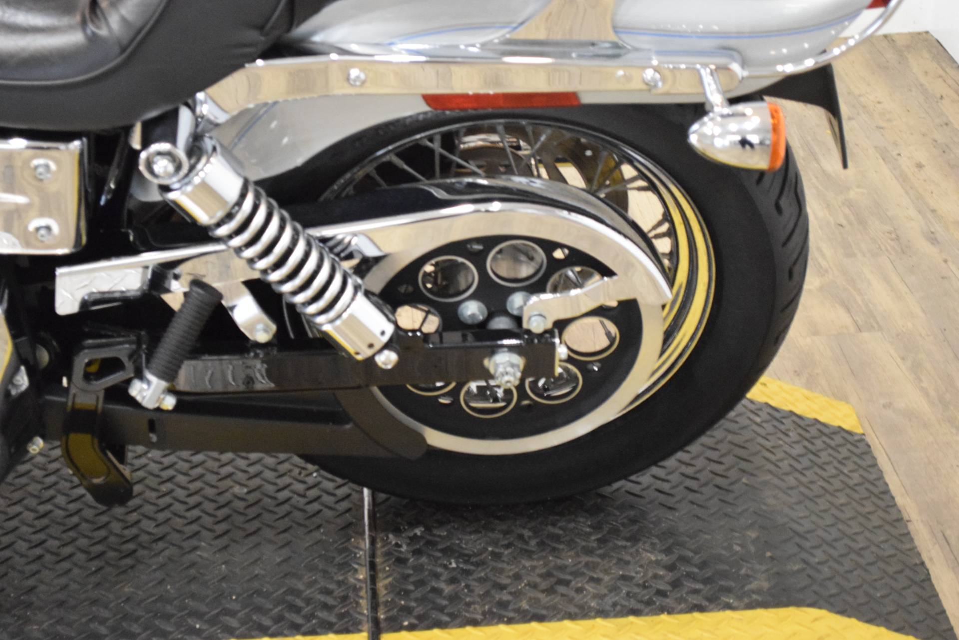 2004 Harley-Davidson FXDWG/FXDWGI Dyna Wide Glide® in Wauconda, Illinois - Photo 17