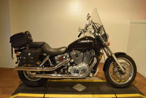 2003 Honda SHADOW SPIRIT 1100 in Wauconda, Illinois