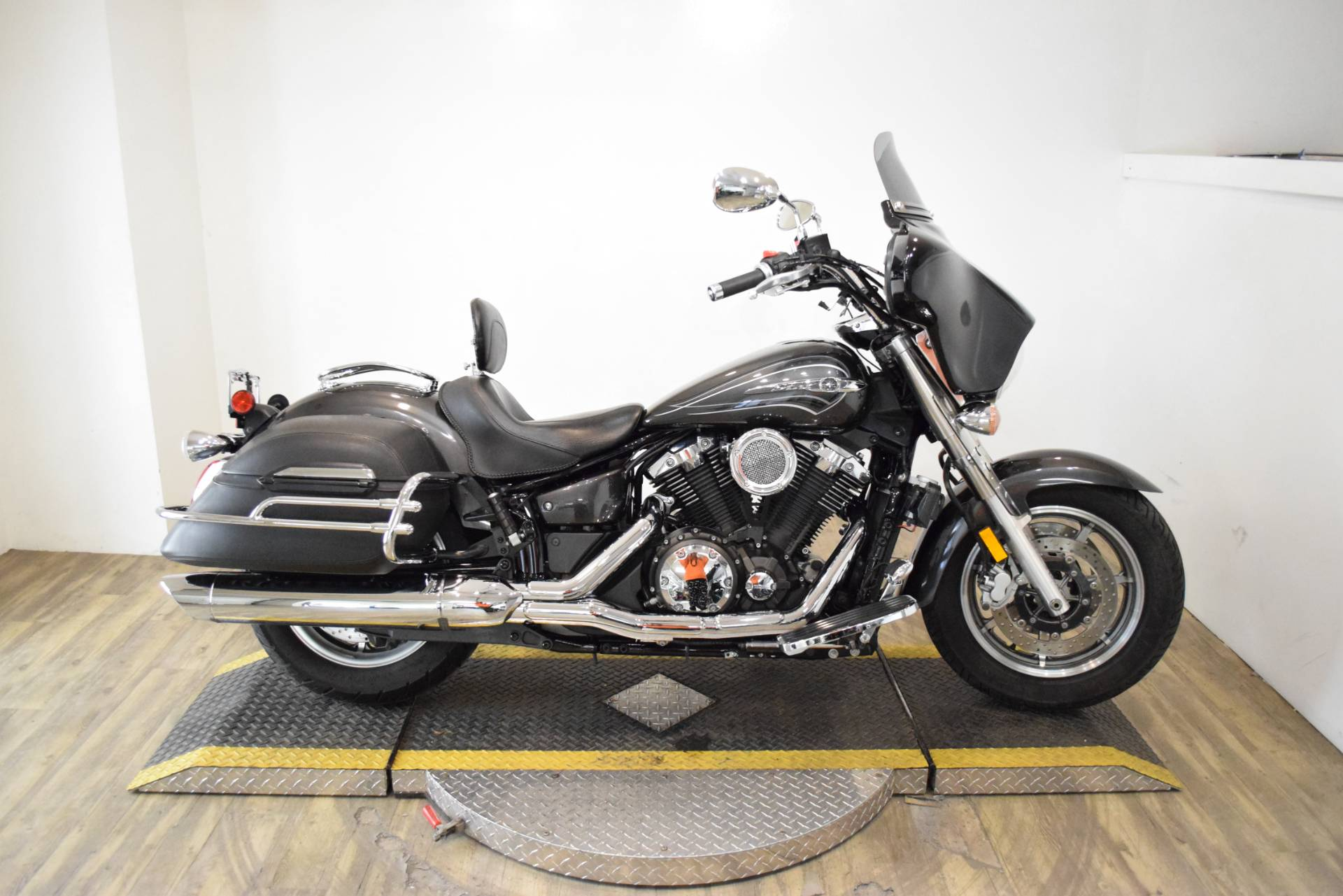 2012 Yamaha V Star 1300 Tourer in Wauconda, Illinois - Photo 1