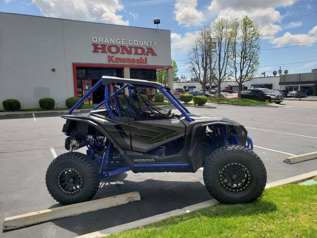 2021 Honda TALON R LIVE VALVE in Orange, California - Photo 4