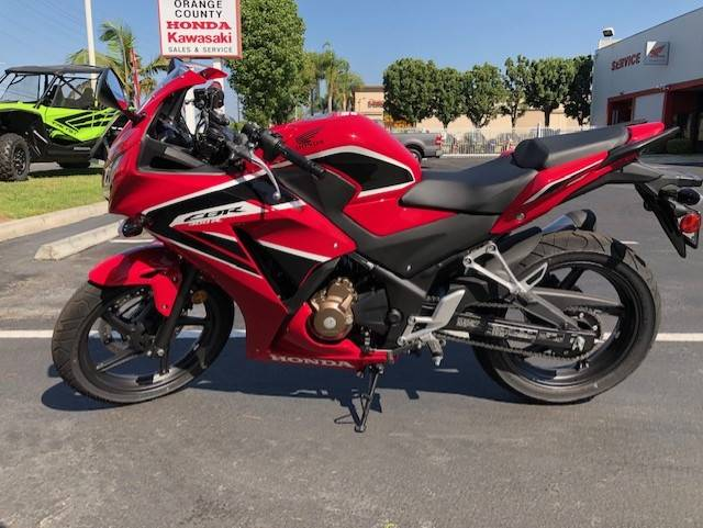 2019 Honda CBR300R in Orange, California - Photo 2