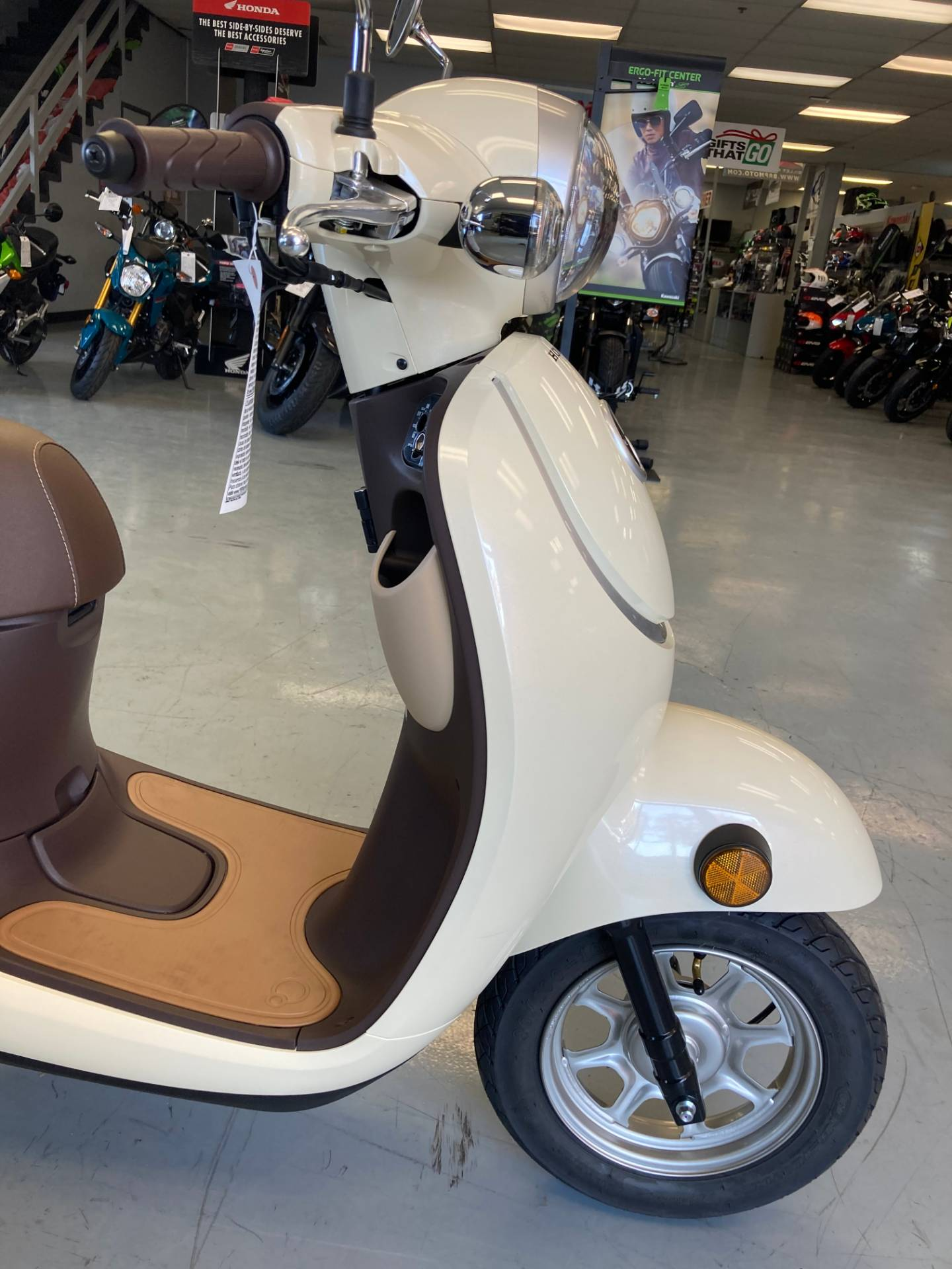 2019 Honda METROPOLITAN in Orange, California - Photo 4