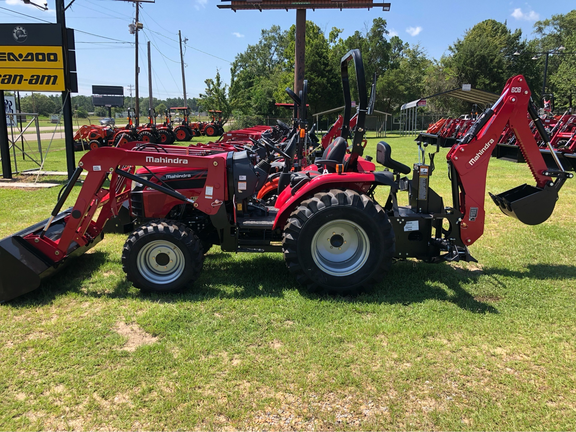 2019 Mahindra 2638 HST in Saucier, Mississippi - Photo 1