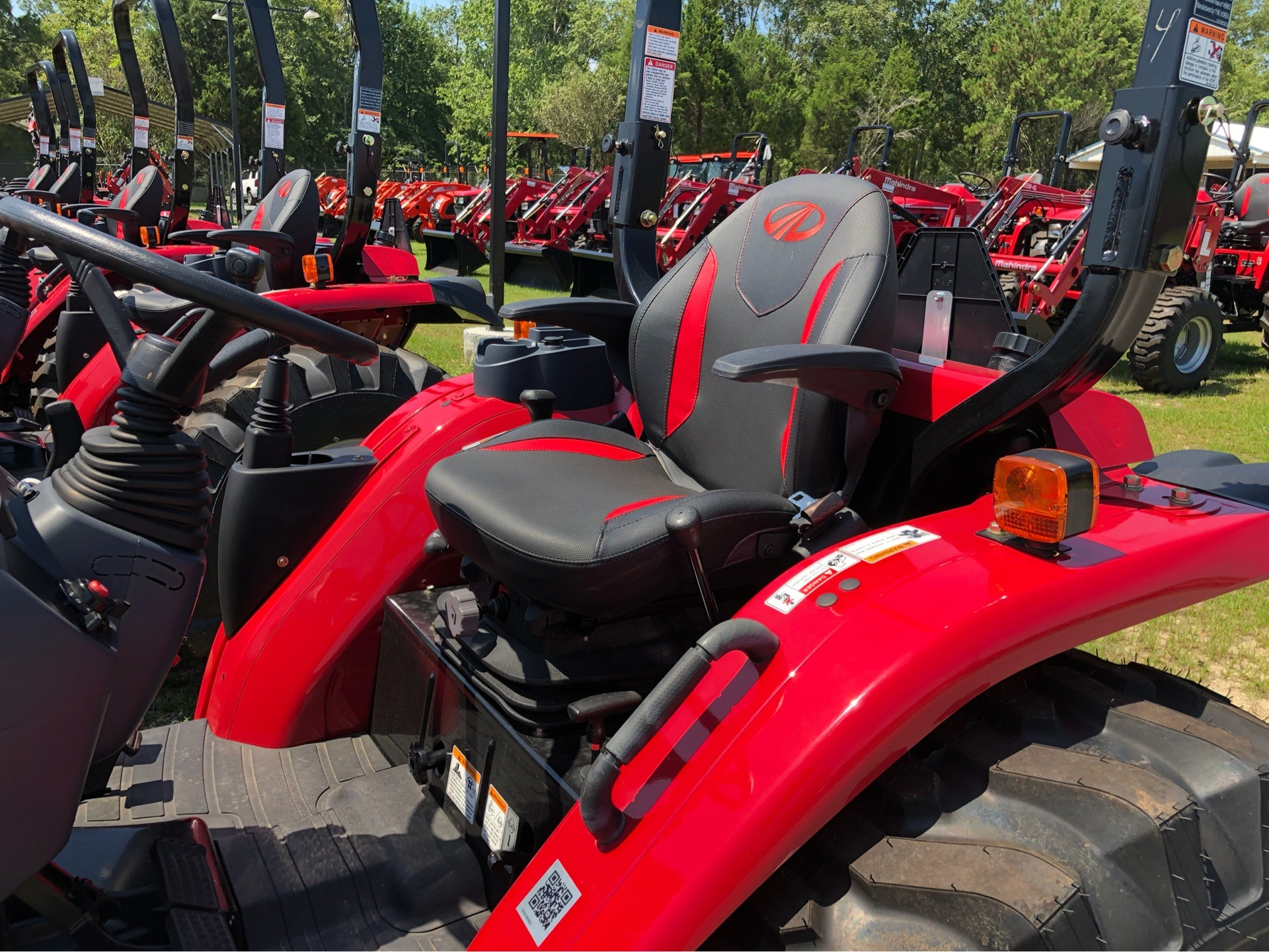 2019 Mahindra 2638 HST in Saucier, Mississippi - Photo 8