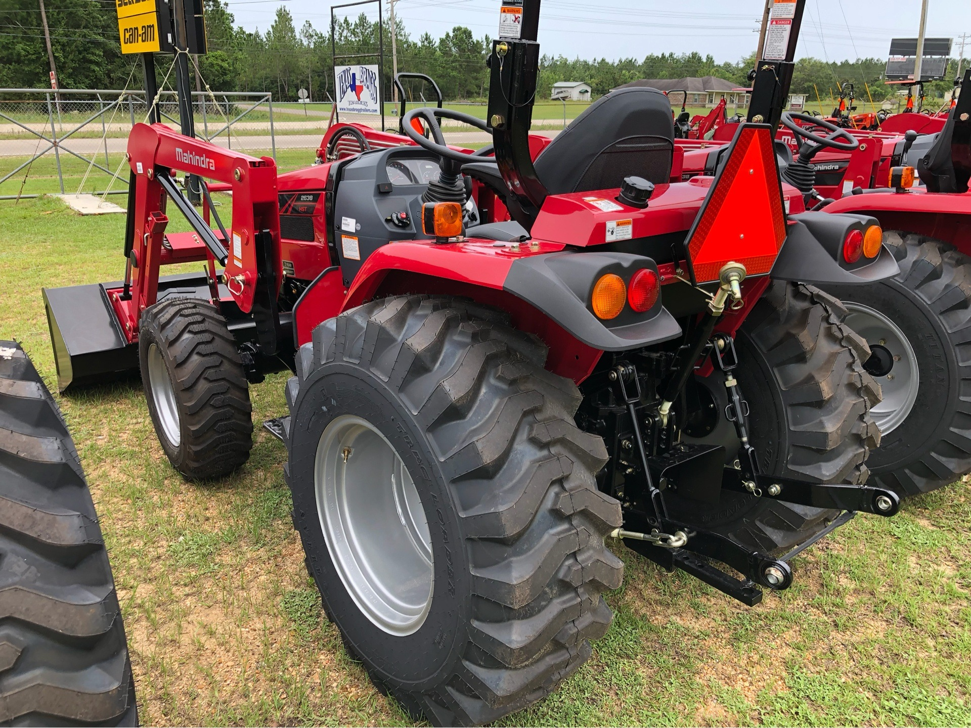 2019 Mahindra 2638 HST in Saucier, Mississippi - Photo 9