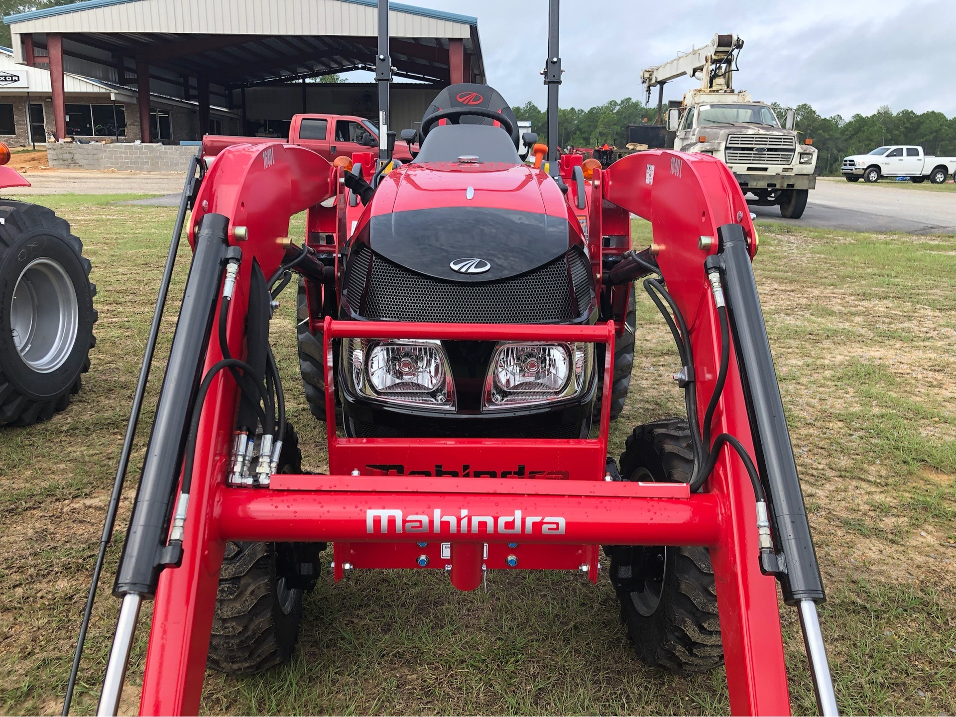 2019 Mahindra 1640 Shuttle in Saucier, Mississippi - Photo 2