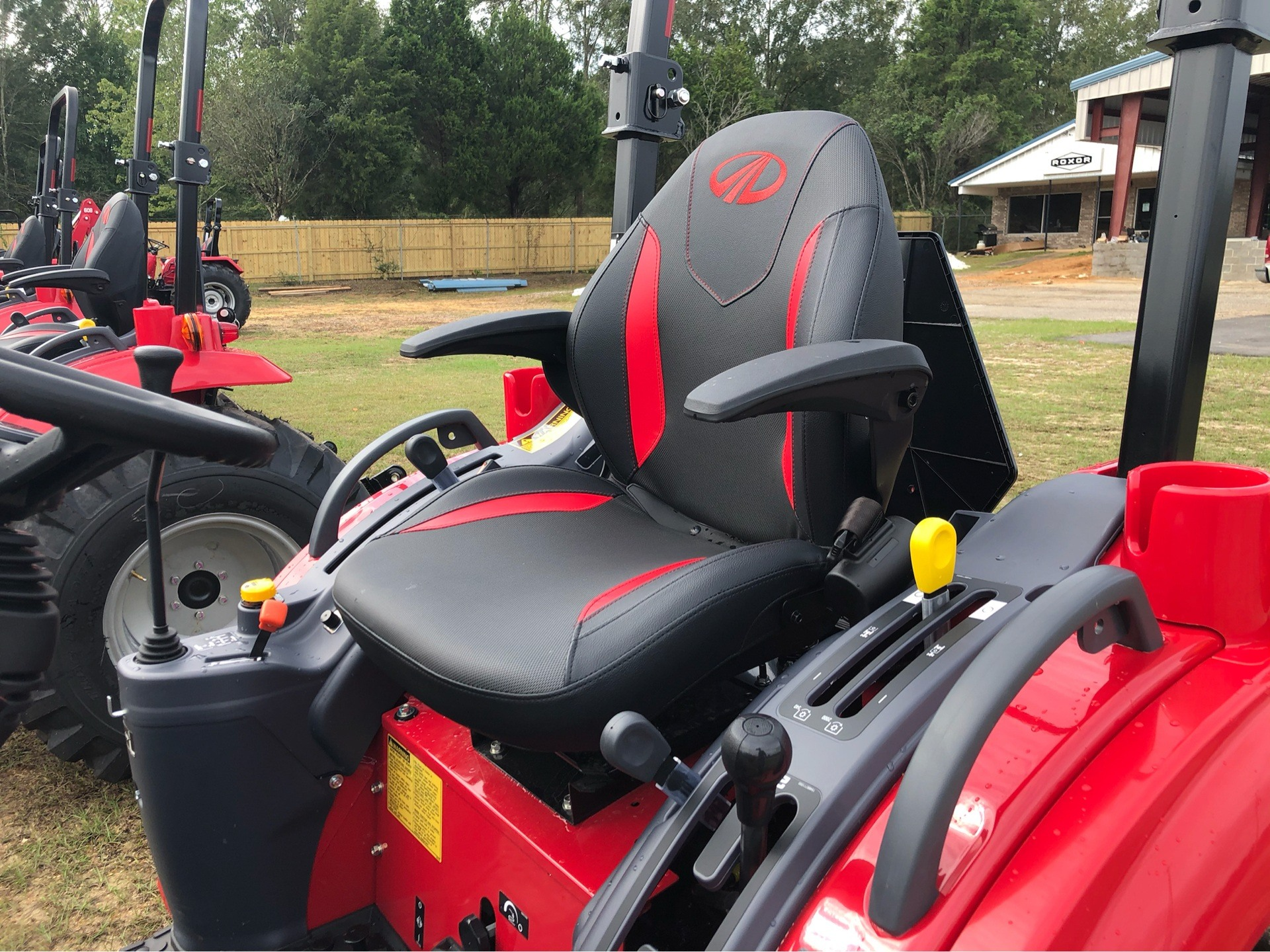 2019 Mahindra 1640 Shuttle in Saucier, Mississippi - Photo 10