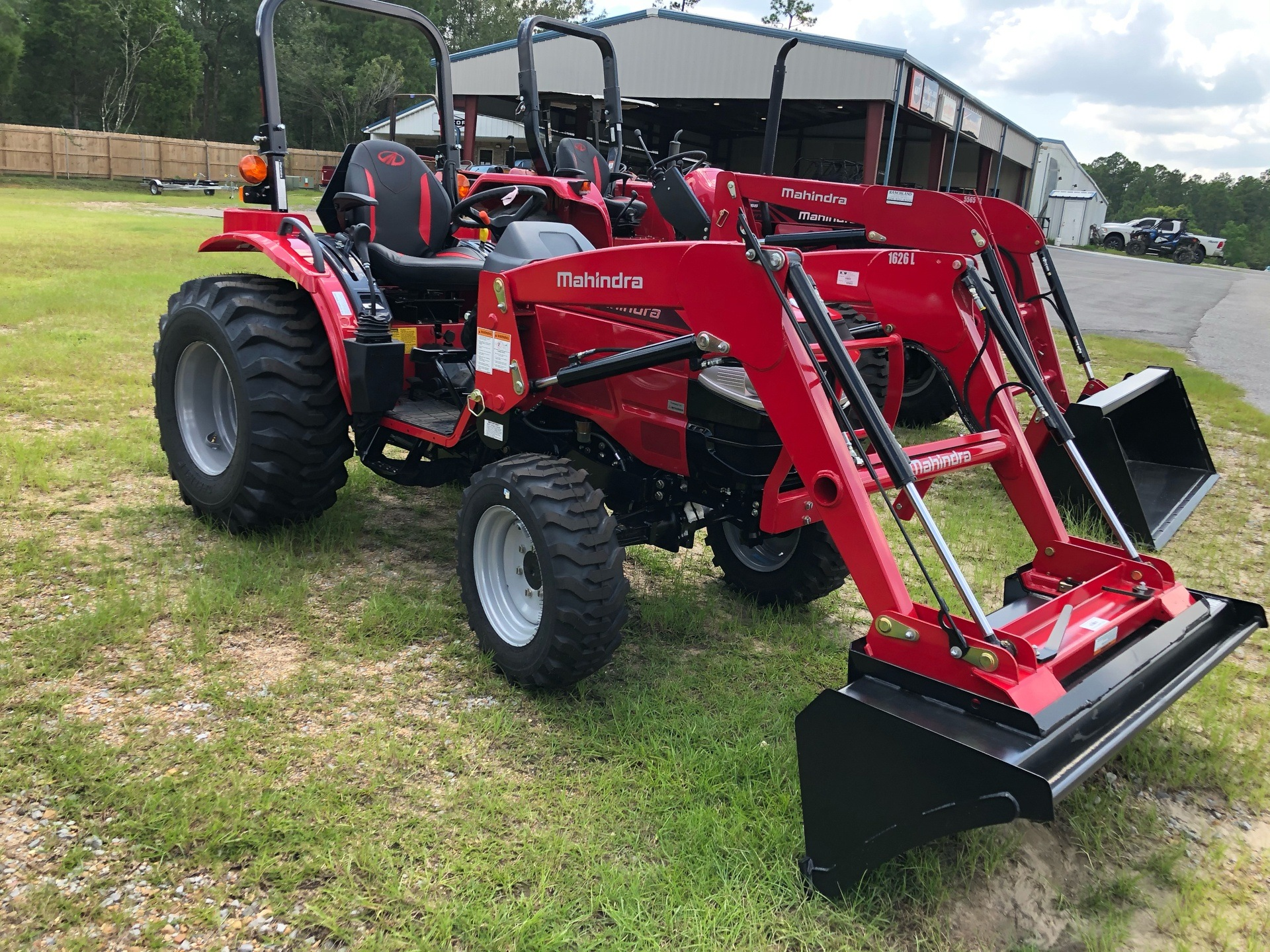 2020 Mahindra 1626 HST OS in Saucier, Mississippi - Photo 3