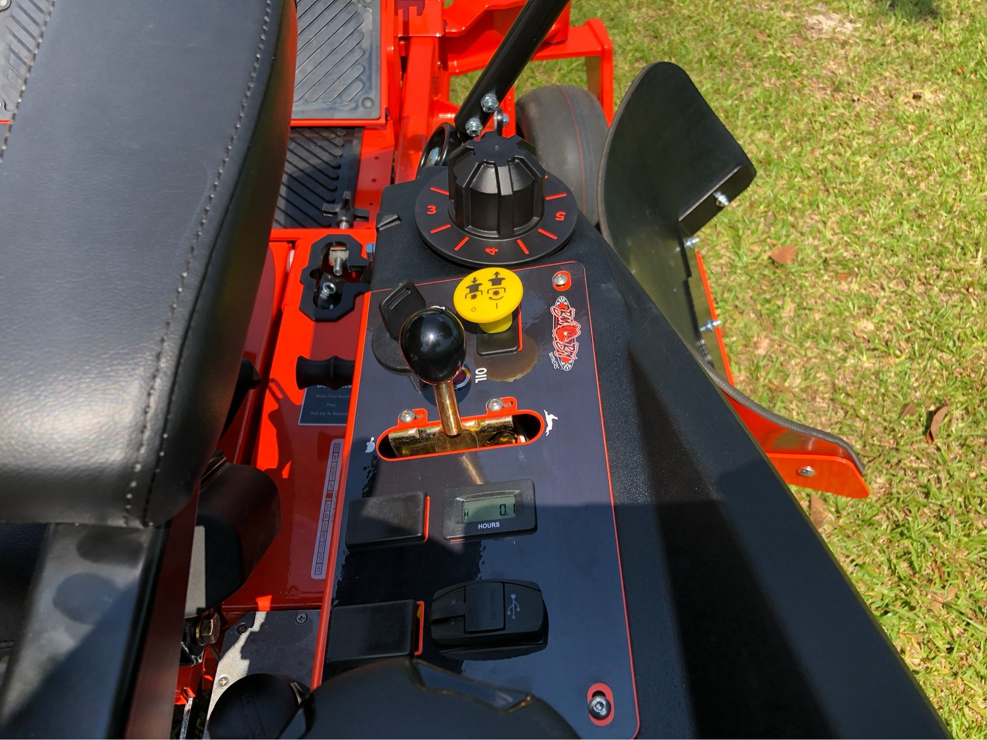 "2019 Bad Boy Mowers Rogue 61"" with 27hp Kawasaki in Saucier, Mississippi - Photo 12"