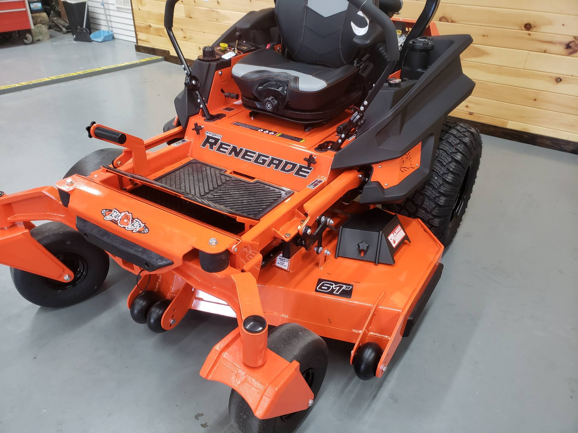 "2019 Bad Boy Mowers Renegade 61"" with 37hp Vanguard EFI in Saucier, Mississippi - Photo 4"