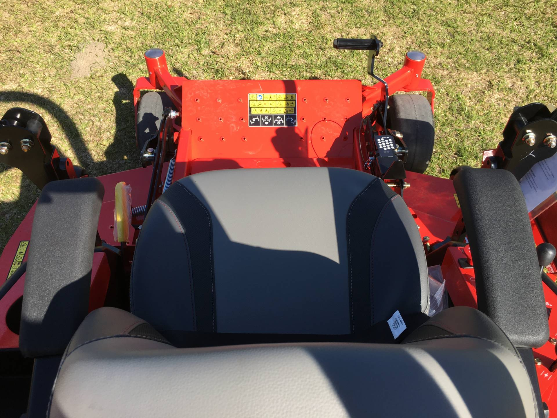 2018 Gravely USA Pro-Turn 60 (Kohler) in Saucier, Mississippi - Photo 7