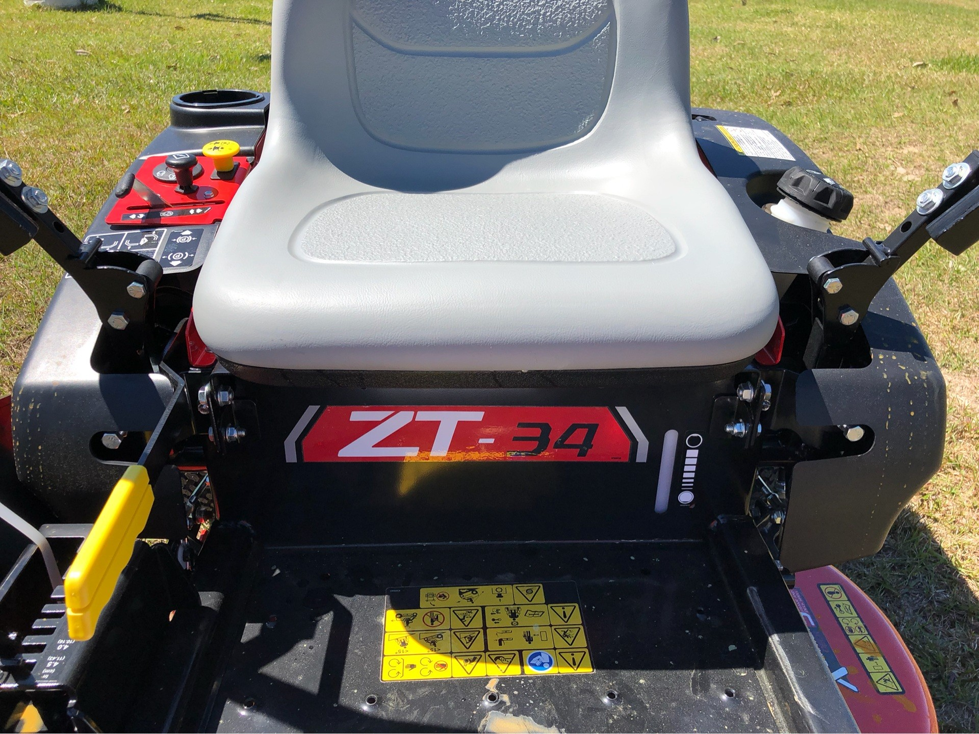 2019 Gravely USA ZT 34 Kohler Zero Turn Mower in Saucier, Mississippi - Photo 3